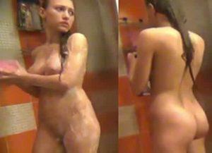novinha no banho filmando escondido