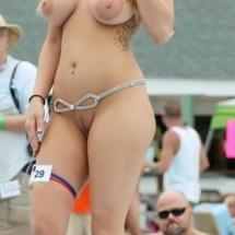 nude-selfie-02