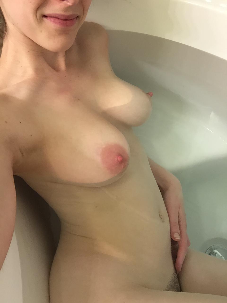 Peladinha na banheira