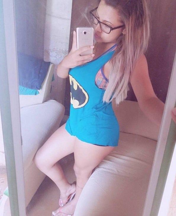 http://jspornoziil2.blogspot.com/2018/06/loira-safadona-caiu-na-net-peladinha.html