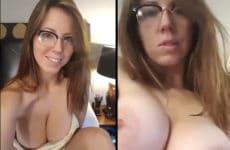Mulher sexy com os peitos gigantes